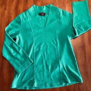 Pretty, Comfy But Classy V-Neck Quality Fitted Tee